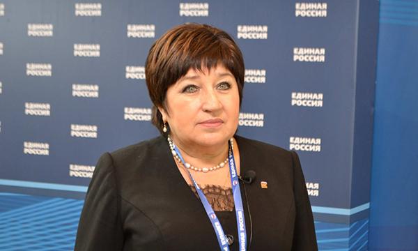Хохлова: ЕР скорректирует законы Владимирской области в интересах граждан старшего возраста