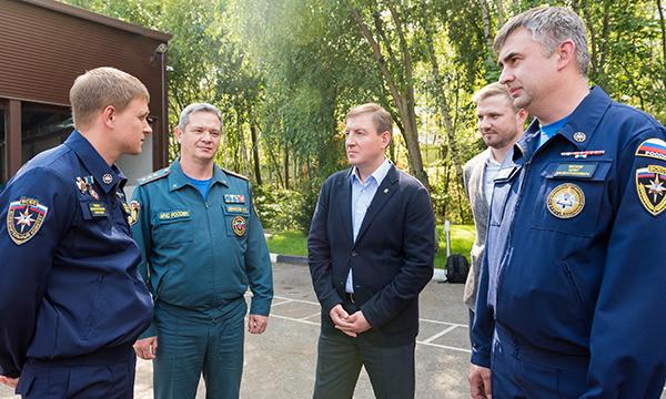 «Единая Россия» поддержала создание в каждом федеральном округе учебных центров для волонтеров