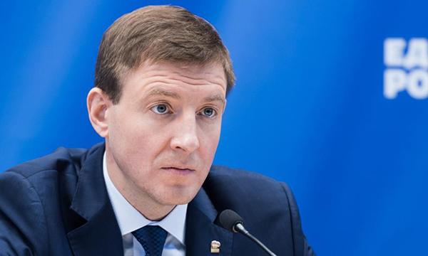 Турчак просит Президента России представить к награде бортпроводницу Ан-24 авиакомпании «Ангара»