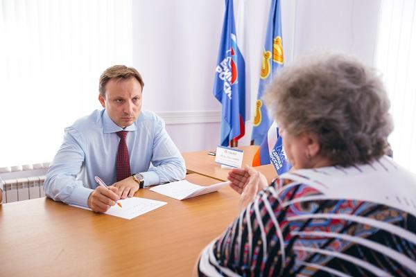 Игорь Игошин решает проблемы жителей области